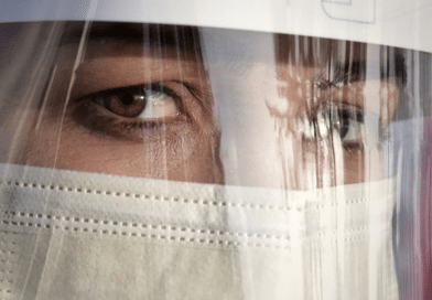 Non, la visière ne peut pas remplacer le masque